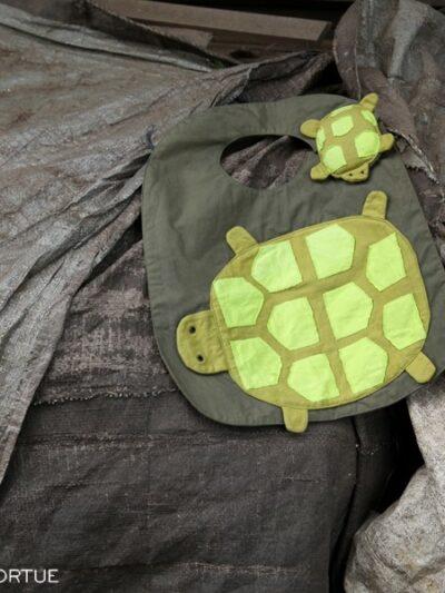 Bavoir tortue, Poudre de Perlimpinpin, www.LaTribu.shop