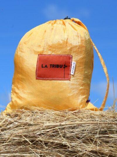Hamac-toile-de-parachute-Or-et-violet www.LaTribu.shop