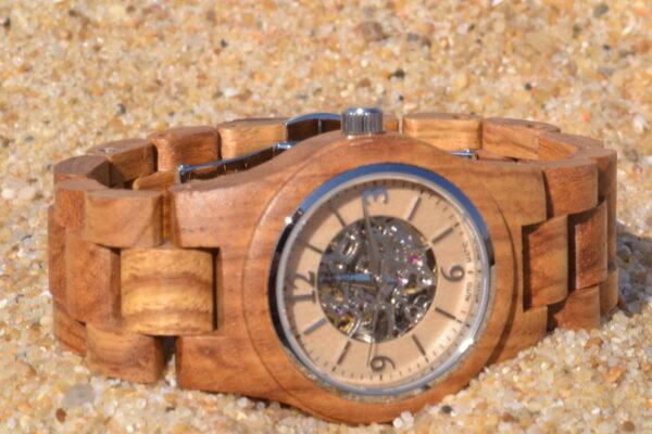 Montre en bois automatique Nellie, Zebrano, www.LaTribu.shop