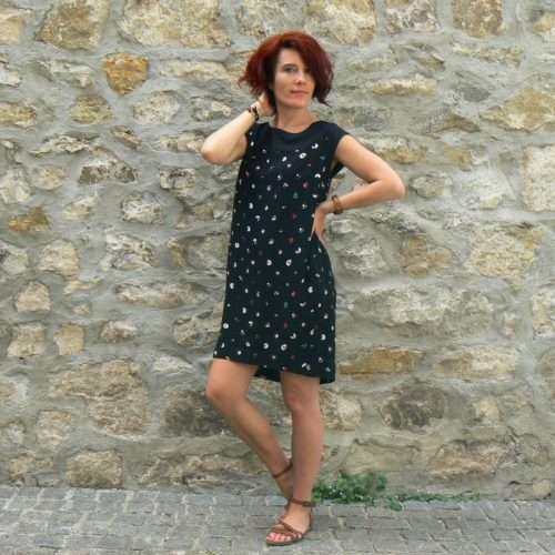 Robe Skunkfunk Ixona, Black, www.LaTribu.shop