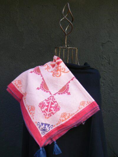 Carré coton La Fiancée du Mékong, Gala rose, www.LaTribu.shop 1