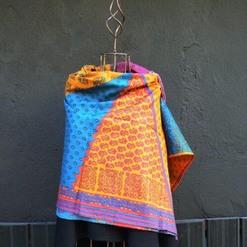 Maxi étole la fiancée du Mékong, Bleu multi, www.LaTribu.shop